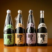 日本酒は全国の銘酒を取り揃えています。なかでも文政5年創業の東京唯一の酒蔵「田村酒造場」の日本酒が人気です。「田むら」は「純米大吟醸」や「吟風」、「吟ぎんが」など4種類から選べます。