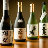 日本酒は全国の銘酒を揃えています。『獺祭』大吟醸磨き三割九分、『会津ほまれ』大吟醸、『上喜元』純米吟醸など有名な銘酒をはじめ、それ以外にも季節の日本酒が登場します。