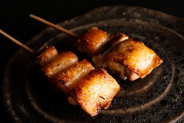 究極の美味。熟成地鶏・高坂鶏×紀州備長炭で織りなす『焼鳥』