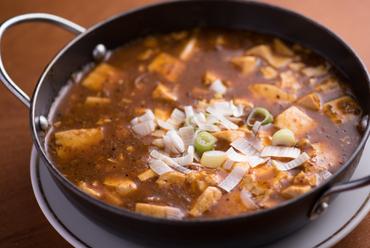 痺れる刺激がクセになる、本場中国の山椒が効いた『麻婆豆腐』