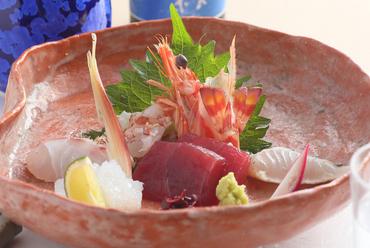 魚介の旬ならではの美味しさを堪能できる『御造り盛り合せ』
