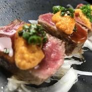 キメ細やかな肉質で、適度なサシが入った静岡牛。その静岡牛の厳選されたリブ芯を贅沢に使ったステーキが食べる者を魅了してやみません。肉とウニが絶妙なハーモニーを奏でます。