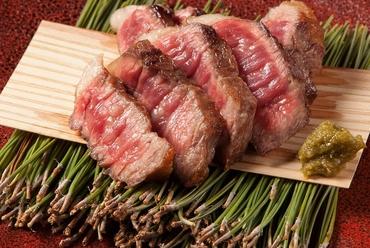 芳醇な肉の旨みを満喫『匠家直送! A5飛騨牛炭火焼』