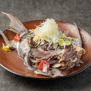 調理がシンプルなだけに肉の質が問われる料理。選りすぐりの牛肉を用いてつくります。口にすると、しっとりとやわらかく、牛肉の旨みがジンワリ広がります。