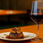 濃厚なフォアグラ、肉の旨味が詰まった贅沢な『ハンバーグ』