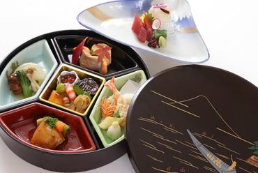 東西南北の幸を盛り付け。静岡の恵みを存分に活かした『駿河富士弁当』