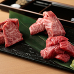 贅沢に食べ比べ!『神戸牛A5等級 稀少赤身部位の三種盛り』