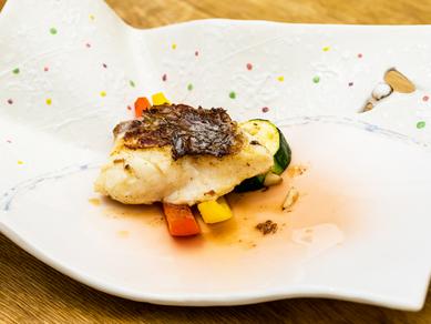 脂がのった旬の魚を日替わりで堪能できる『本日の魚のグリル』