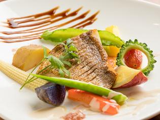 その日水揚げされた新鮮さを楽しめる『本日の魚料理』