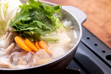 滋味深いスープで味わう『名物! 博多水炊き』