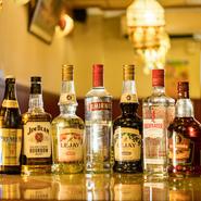 3500円のコースは生ビールやハイボール、焼酎などの他に、インドのラム酒やグラスワインが飲み放題に。4900円のコースになると、グラスワインがインドやイタリアのボトルワインに変更になります。
