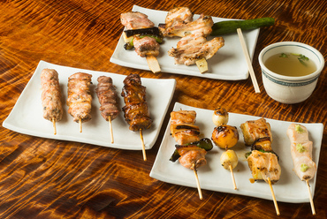 12品で鶏1羽の多彩な味わいを堪能する『フルコース』12品