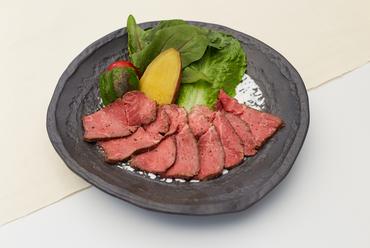 黒毛和牛赤身の低温ロースト 特製ソース