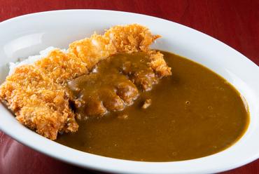 辛口のルーとカツの味付けや厚みが絶妙な『辛口カツカレー』