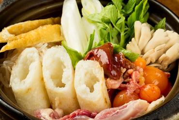これぞ秋田料理の代表格、比内地どりを丸ごと味わう『キリタンポ鍋』一人前