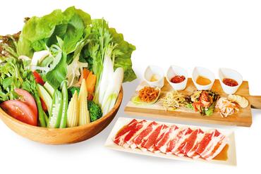 新鮮な野菜をたくさん食べて大満足。独自メニュー『おぐや発ベジギョプサル』