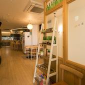 一人の時間もゆったりとくつろげる、温もり感じる韓国料理店