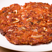 程よい辛さがマッコリ&韓国焼酎と良く合う『キムチチヂミ』