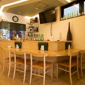 ダイニングバーとしても利用できる韓国料理店