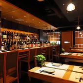 コース料理とあわせて、別途¥2,500で50種類以上のお酒が飲める