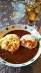 4時間以上じっくりと煮込んだトロットロの牛すじデミハヤシソースにふわっふわ卵のオムライスとちーずオンハンバーグ
