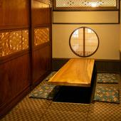 品のある装飾品は、昔から使い続ける建具や高価な1点物の扉