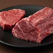 日本三大和牛のひとつ「近江牛」。その処女牛のみにこだわり提供。当日のオススメ部位を紹介してくれるだけでなく、さまざまな薬味や調理法などひと味違った楽しみ方も提案。肉の持つ魅力を余すことなく楽しめます。