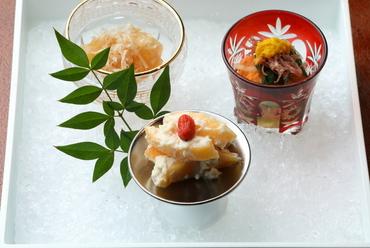 日本料理らしく、まずは季節感を愛でてもらえる料理『前菜』