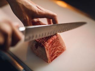 肉に精通した店主が厳選しているからこそ味わえる、肉本来の旨み