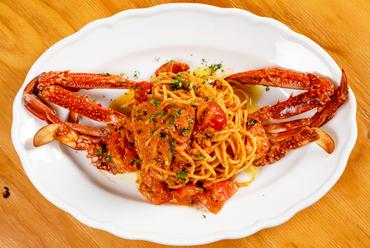 蟹の風味香る、海街ならではの逸品『渡り蟹のパスタ』