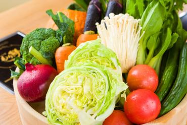 しゃぶしゃぶに華を添える『日替わり季節のお野菜』