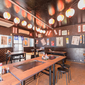どこか昔懐かしい。昭和レトロな空間で、ゆったりと食事を満喫