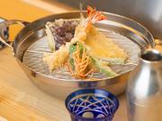 先付 車海老2尾 魚4品 野菜5品 かき揚げ 御飯 椀物 香の物 デザート