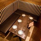 個室でまったりと美味しい料理とワインを楽しみましょう。