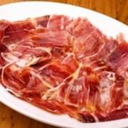 上品なコクと甘みを楽しめる『スペイン産イベリコ豚の生ハム』
