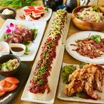 【和楽居(わらい)天神店】を訪れたなら、3時間飲み放題付『ロングユッケ寿司コース』を