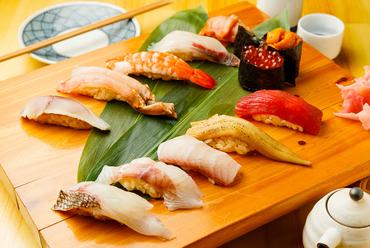 毎日仕入れる旬の魚を使っているので、ネタは鮮度抜群。それでいて驚くほどリーズナブルな『握り』