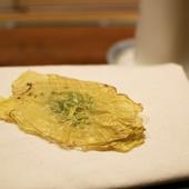 旬の食材をキャベツで挟んだ『乳酸菌で発酵させたキャベツのサンドイッチ』