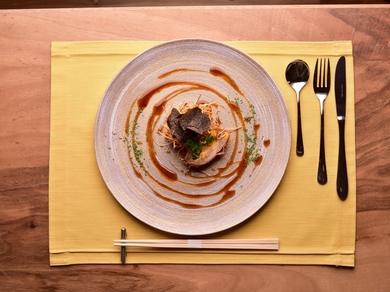 豚肉とフォアグラがコラボレーションした『フォアグラトンカツ』