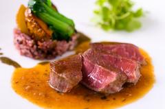 THE KASHIHARAの洋食料理長 遠山嘉明が その日おすすめする食材を使用してつくる特別ディナー