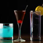 カクテルに詳しくない方でもオーダーしやすいようにと、メニューにはお酒の種類と組み合わせが書かれています。美しい色合いや甘い飲み口のもの、遊び心のあるオリジナルカクテルもあり、女性にも好評だそうです。