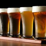 クラフト生ビールを飲み比べできる4種セット。ビールの種類は定期的に変わり、いろいろな味に出合えます。グラスはちょうど良い小ぶりなサイズ。クラフトビールをあまり飲んだことがない方にもオススメです。