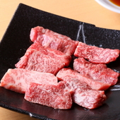 脂の美味しさがひと味違う、人気ナンバーワンメニュー『特選和牛(数量限定)特上カルビ』