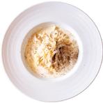 ボイル調理/電子レンジ調理可 インクローチ自慢の自家製生パスタをご家庭で お召し上がりいただけます! <3種のチーズクリームソース> 定番のクリームソースもお家で楽しめます。シンプルながら奥深い味わいです。