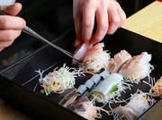 旬の鮮魚を活かした自慢のお造り。 海の宝石箱の様な華やかさ・旨みを お愉しみください。