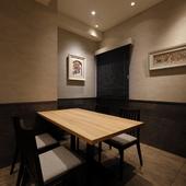 さまざまなシチュエーションで使える、モダンな個室空間