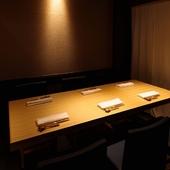 大事なビジネスシーンも安心。シックな内装の美食空間
