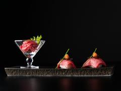 料理長の創作肉料理5種。お肉の魅力をあらゆる角度から味わい尽くす