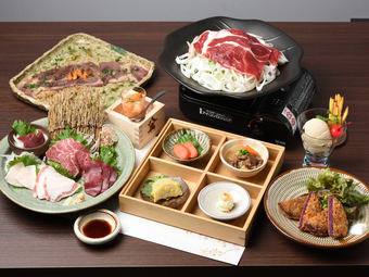 美味しいお料理は器も選ぶ。九州の味にはやはり九州の器