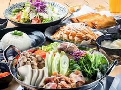 歓送迎会にぴったりのコースをご用意!「四元豚のトマト鍋」と「塩ちゃんこ鍋」からお選びいただけます。